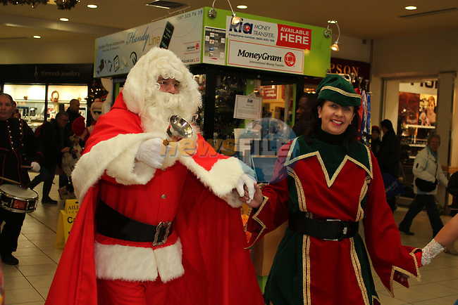Santa arrives at the Town Centre...(Photo credit should read Jenny Matthews www.newsfile.ie)....This Picture has been sent you under the conditions enclosed by:.Newsfile Ltd..The Studio,.Millmount Abbey,.Drogheda,.Co Meath..Ireland..Tel: +353(0)41-9871240.Fax: +353(0)41-9871260.GSM: +353(0)86-2500958.email: pictures@newsfile.ie.www.newsfile.ie.