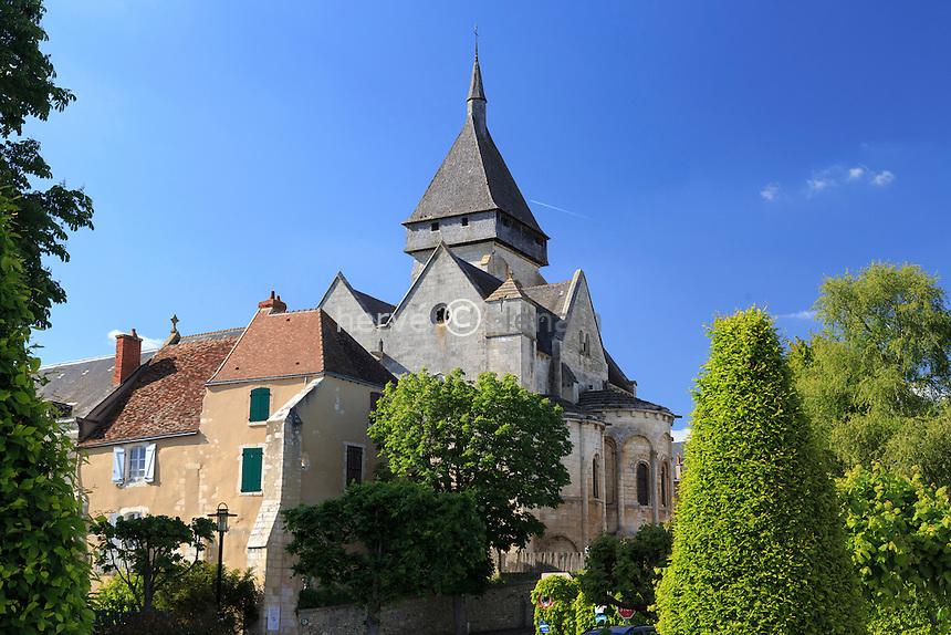 France, Indre (36), Saint-Marcel, l'église et le village médiéval // France, Indre, Saint Marcel, the church and the medieval village