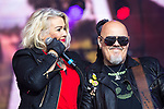 © Joel Goodman - 07973 332324. 05/08/2017 . Macclesfield , UK . KIM WILDE performs with RICKY WILDE at the Rewind Festival , celebrating 1980s music and culture , at Capesthorne Hall in Siddington . Photo credit : Joel Goodman
