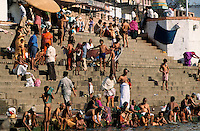 "Asien Indien IND Benares Varanasi Kashi .hinduistische Tempel und Badestufen am f?r Hindus heiligen Flu§ Ganges -  Religion Hinduismus Wasser Fl?sse Pilger Hindu Hindus baden verehren Verehrung Glauben Gott G?tter Shiva Gottheit indisch Inder heilig heiliges indisch indische Tradition traditionell Reise reisen Tourismus Ghat Treppen Treppe Stufen  Ritual rituelles Bad xagndaz | .Asia India Varanasi .Hindu temple and Ghats at river Ganga - religion hinduism water bath holy sacred belief rivers worship pray prayer pilgrim devotees devote devotion .| [copyright  (c) agenda / Joerg Boethling , Veroeffentlichung nur gegen Honorar und Belegexemplar an / royalties to: agenda  Rothestr. 66  D-22765 Hamburg  ph. ++49 40 391 907 14  e-mail: boethling@agenda-fototext.de  www.agenda-fototext.de  Bank: Hamburger Sparkasse BLZ 200 505 50 kto. 1281 120 178  IBAN: DE96 2005 0550 1281 1201 78 BIC: ""HASPDEHH""] [#0,26,121#]"