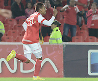 BOGOTÁ -COLOMBIA, 24-01-2014. Wilder Medina jugador de Independiente Santa Fe celebra un gol en contra del Itaguí durante partido por la fecha 1 por la Liga Postobón  I 2014 jugado en el estadio Nemesio Camacho el Campín de la ciudad de Bogotá./ Independiente Santa Fe player Wilder Medina celebrates a goal against Itagui during match for the 1st date for the Postobon  League I 2014 played at Nemesio Camacho El Campin stadium in Bogotá city. Photo: VizzorImage/ Gabriel Aponte / Staff