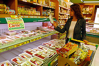 NaturaSì è una catena di supermercati specializzata nella vendita di prodotti alimentari biologici e naturali. NaturaSì is a supermarket chain specializing in the sale of organic food and natural....