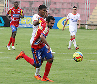 PASTO -COLOMBIA, 26-OCTUBRE-2014. Accion de juego entre los equipos Deportivo Pasto y Atletico Junior   partido de la fecha 16 de la Liga Postobon II 2014 jugado en el estadio Libertad de la ciudad de Pasto./ Action game between Deportivo Pasto and Atletico Junior team match of the day 16 of the 2014 Liga Postobon II played in the Liberty Stadium Pasto during match valid for the 16th date of Postobon League II 2014 played at Libertad stadium in Pasto city. Photo: VizzorImage  / Leonardo Castro / Stringer