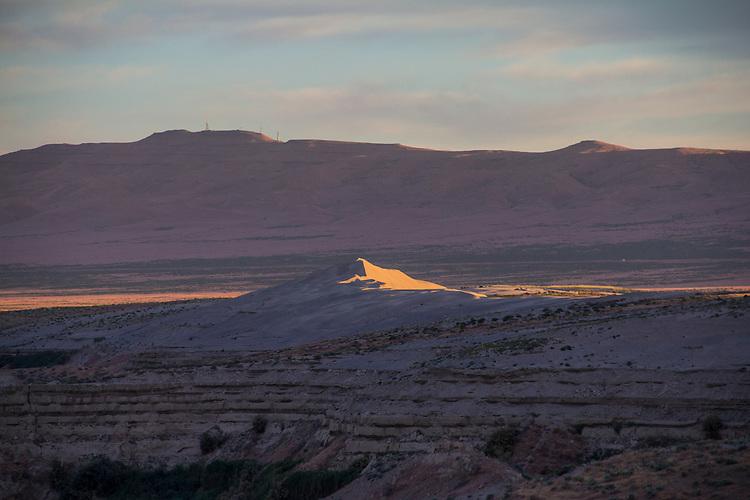 Hanford Reach National Monument, White Bluffs, Wahluke Slope, sand dunes, Columbia Basin, eastern Washington, Washington State, Pacific Northwest, USA, North America,