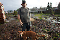 Olympic Animal Sanctuary: Steve Markwell and his dogs