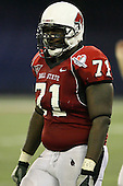 January 5th, 2008:  Ball State lineman Robert Brewster (71) takes a beak during the fourth quarter of the International Bowl at the Rogers Centre in Toronto, Ontario Canada...Rutgers defeated Ball State 52-30.  ..Photo By:  Mike Janes Photography