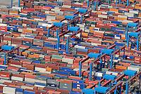 Containerlager: EUROPA, DEUTSCHLAND, HAMBURG, (EUROPE, GERMANY), 31.08.2008: Altenwerder, CTA, Container,  Kran, Ladung, Boom, Containerbruecken, containers, Containerschiff, Containerterminal, Containerumschlag, Containerverkehr,  Elbe, Europa, europaeisch, Europe, European, German, Germany, Haefen, Hafen, Hafenansicht, Hafenansichten, Hafenszene, Hafenszenen, Hafenszenerie, Hafenszenerien, Hamburg, harbor, harbor sceneries, harbor scenery, harbors, harbour, harbour sceneries, harbour scenery, harbours, Haven, HHLA Container Terminal Altenwerder,  Kraene, Kran, Norddeutschland, North German,  Aufwind-Luftbilder, Luftbild, Luftaufname, Luftansicht.c o p y r i g h t : A U F W I N D - L U F T B I L D E R . de.G e r t r u d - B a e u m e r - S t i e g 1 0 2, .2 1 0 3 5 H a m b u r g , G e r m a n y.P h o n e + 4 9 (0) 1 7 1 - 6 8 6 6 0 6 9 .E m a i l H w e i 1 @ a o l . c o m.w w w . a u f w i n d - l u f t b i l d e r . d e.K o n t o : P o s t b a n k H a m b u r g .B l z : 2 0 0 1 0 0 2 0 .K o n t o : 5 8 3 6 5 7 2 0 9.C o p y r i g h t n u r f u e r j o u r n a l i s t i s c h Z w e c k e,  V e r o e f f e n t l i c h u n g  n u r  m i t  H o n o r a r  n a c h M F M, N a m e n s n e n n u n g  u n d B e l e g e x e m p l a r !.