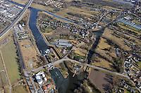 Insel zwischen Schleusenkanal und Doveelbe: EUROPA, DEUTSCHLAND, HAMBURG 05.11.2003: