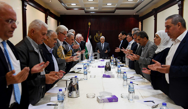 Palestinian President Mahmoud Abbas chairs a meeting of the Central Committee of Fatah Movement in the West Bank city of Ramallah, on June 18, 2017. Photo by Thaer Ganaim