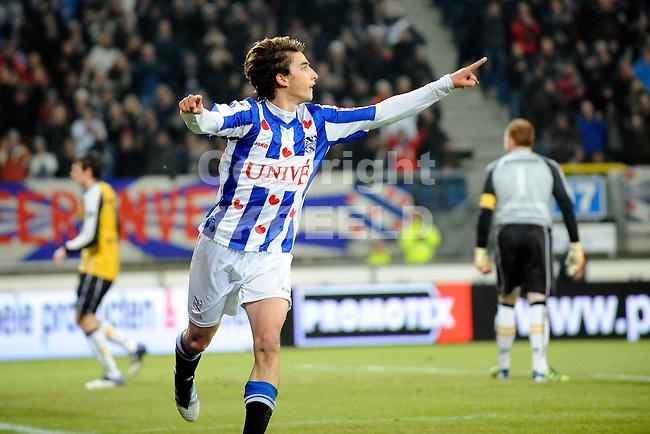 HEERENVEEN - Voetbal, SC Heerenveen - NAC , Eredivisie,  Abe Lenstra stadion, seizoen 2011-2012, 17-02-2012 SC Heerenveen speler Filip Djuricic viert de 1-0.