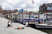 Nederland Amsterdam 2020 . Damrak. Weinig toeristen in Amsterdam. Foto Berlinda van Dam / ANP /  Hollandse Hoogte