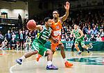 S&ouml;dert&auml;lje 2015-01-17 Basket Basketligan S&ouml;dert&auml;lje Kings - Bor&aring;s Basket :  <br /> S&ouml;dert&auml;lje Kings John Roberson i kamp om bollen med Bor&aring;s James JJ Miller  under matchen mellan S&ouml;dert&auml;lje Kings och Bor&aring;s Basket <br /> (Foto: Kenta J&ouml;nsson) Nyckelord:  Basket Basketligan S&ouml;dert&auml;lje Kings SBBK T&auml;ljehallen Bor&aring;s