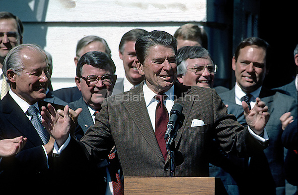 Washington DC., USA, October 4, 1984<br /> President Ronald Reagan on the south driveway  following a meeting With Republican members of Congress and Congressional Candidates Credit: Mark Reinstein/MediaPunch