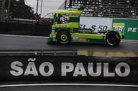 SAO PAULO, SP, 08/07/2012,  F. TRUCK,  A 5 Etapa da F. Truck deve acontecer com chuva neste Domingo  (8), hoje pela manha os pilotos fizer um Warm Map. Na foto o caminhao de Ze Maria Reis.  Luiz Guarnieri/ Brazil Photo, press