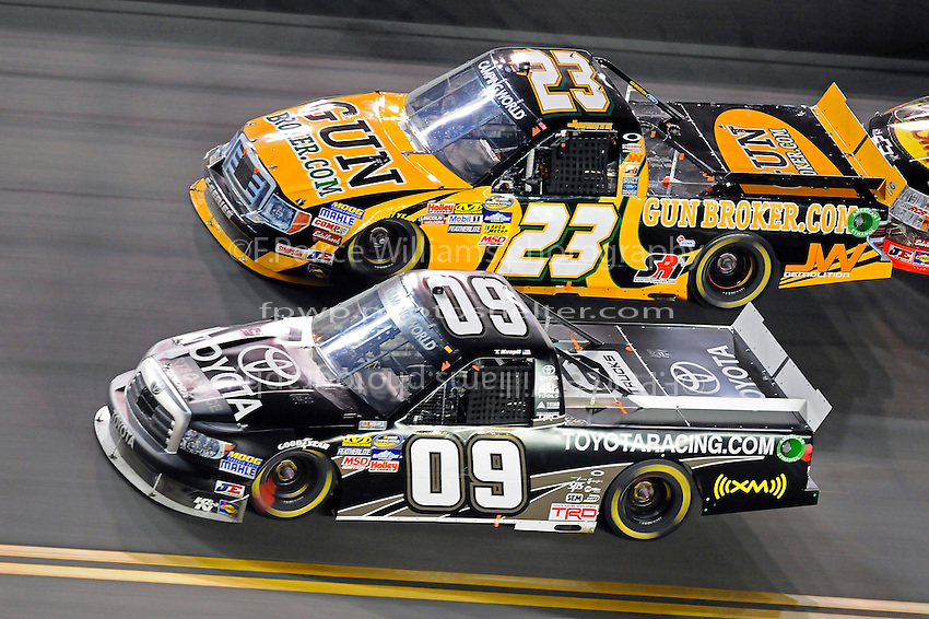 Travis Kvapil (#09) and Jason White (#23)
