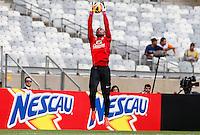 BELO HORIZONTE, MINAS GERAIS, 22 DE ABRIL 2013 - TREINO SELEÇÃO BRASILEIRA DE FUTEBOL - Jefferson goleiro  da seleção brasileira de futebol durante sessão de treinamento na Minas Arena (Mineirão), na tarde desta terça-feira, 22. Amanhã o Brasil enfrenta o Chile no mesmo local. FOTO: WILLIAM VOLCOV / BRAZIL PHOTO PRESS.