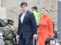 BOGOTÁ - COLOMBIA, 07-08-2018: Carlos Alvarado Quesada, presidente de Costa Rica, con su esposa, Claudia Dobles, durante la ceremonia de juramento en donde Ivan Duque, toma posesión como presidente de la República de Colombia para el período constitucional 2018 - 22 en la Plaza Bolívar el 7 de agosto de 2018 en Bogotá, Colombia. / Carlos Alvarado Quesada, president of Costa Rica, with his wife, Claudia Dobles, during the swearing ceremony where Ivan Duque, takes office to constitutional term as president of the Republic of Colombia 2018 - 22 at Plaza Bolivar on August 7, 2018 in Bogota, Colombia. Photo: VizzorImage/ Gabriel Aponte / Staff