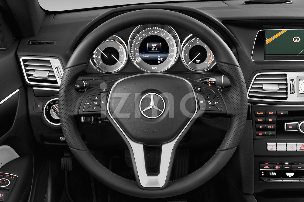 Car pictures of steering wheel view of a2013 Mercedes Benz E Class 220 2 Door Coupe Steering Wheel