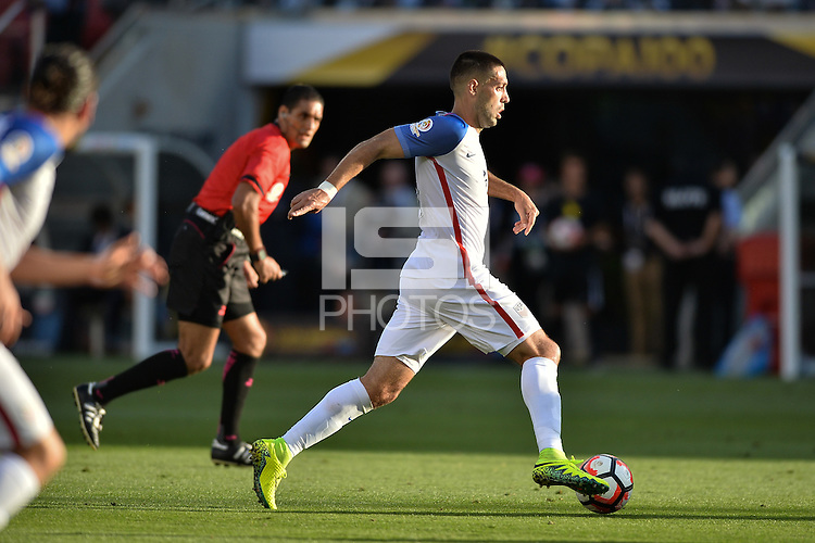 Santa Clara, CA - Friday June 03, 2016: United States forward Clint Dempsey (8) during a Copa America Centenario Group A match between United States (USA) and Colombia (COL) at Levi's Stadium.