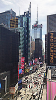 Blick auf den Times Square in New York - 11.04.2018: Sightseeing in New York