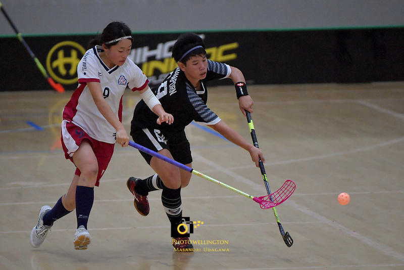 Thailand's Thanaporn Tongkham and Japan's Eriko Chiba in action during the World Floorball Championships 2017 Qualification for Asia Oceania Region - Japan v Thailand at ASB Sports Centre , Wellington, New Zealand on Saturday 4 February 2017.<br /> Photo by Masanori Udagawa<br /> www.photowellington.photoshelter.com.