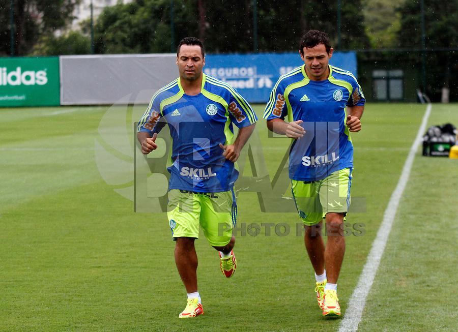 Daniel Carvalho e Roman durante treino do Palmeiras no CT da Barra Funda,na zona oeste de Sao Paulo, na manha desta terça-feira 10.FOTO ALE VIANNA - NEWS FREE.