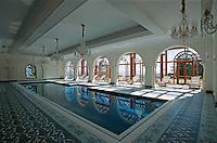 Indien, Himachal Pradesh, Mashobra, Pool im Hotel Wildflower Hall