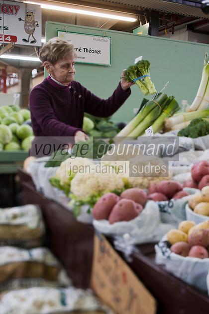 Amérique/Amérique du Nord/Canada/Québec/Montréal: Etal de légumes  au Marché Jean Talon