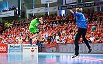 Eskilstuna 2014-05-15 Handboll SM-semifinal Eskilstuna Guif - Alings&aring;s HK :  <br /> Alings&aring;s Pontus Johansson tar ett avslut mot Eskilstuna Guif m&aring;lvakt Aron Rafn Edvardsson i m&aring;let framf&ouml;r publiken i Sporthallen i Eskilstuna <br /> (Foto: Kenta J&ouml;nsson) Nyckelord:  Eskilstuna Guif Sporthallen Alings&aring;s AHK SM Semifinal Semi supporter fans publik supporters inomhus interi&ouml;r interior