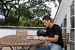 FBL 2009/2010 - Werder Bremen - Interview mit Mesut &Ouml;zil (Oezil) 25.08.2009<br /> <br /> Interview mit Mesut &Ouml;zil (GER Werder Bremen #11) und einer Homestory bei Mesut &Ouml;zil zu Hause.<br /> <br /> Mesut &Ouml;zil (GER Werder Bremen #11) auf seinem Balkon in ein Heft vertieft. Querformat.<br /> <br /> Foto &copy; nph ( nordphoto ) *** Local Caption *** *** Local Caption ***<br /> <br /> Fotos sind ohne vorherigen schriftliche Zustimmung ausschliesslich f&uuml;r redaktionelle Publikationszwecke zu verwenden.<br /> <br /> Auf Anfrage in hoeherer Qualitaet/Aufloesung