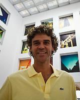 SAO PAULO, 06 JUNHO 2012 - PATROCINIO TENISTA GUSTAVO KUERTEN- O ex-tenista brasileiro Gustavo Kuerten, o Guga, durante entrevista coletiva para anunciar o contrato de patrocínio com os Correios, no Prédio Histórico dos Correios, em São Paulo. FOTO: VANESSA CARVALHO - BRAZIL PHOTO PRESS.