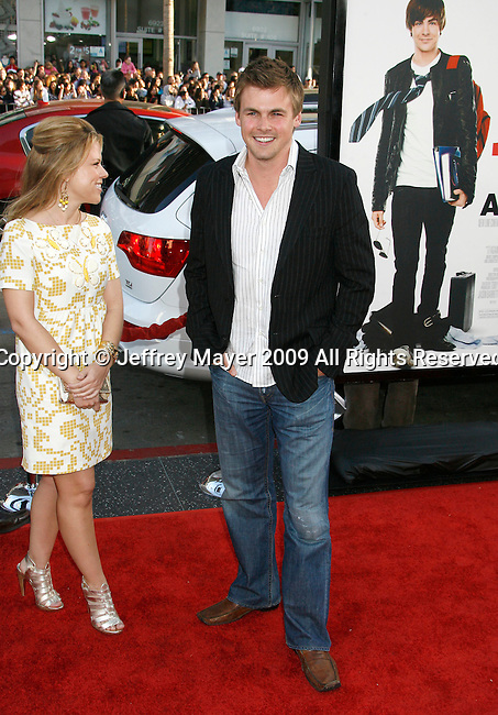 "HOLLYWOOD, CA. - April 14: Tommy Dewey arrives at the premiere of Warner Bros. ""17 Again"" held at Grauman's Chinese Theatre on April 14, 2009 in Hollywood, California."
