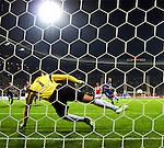 Nederland, Alkmaar, 20 oktober  2012.Eredivisie.Seizoen 2012-2013.AZ-N.E.C..Ryan Koolwijk van N.E.C. scoort de 2-0