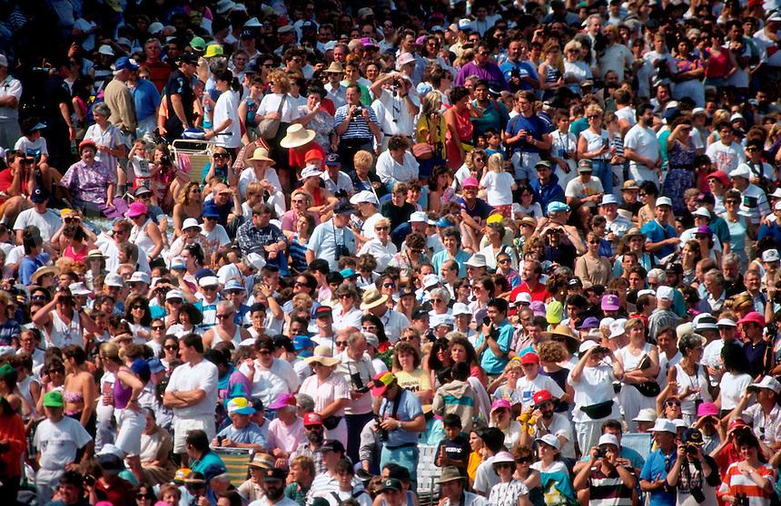 Crowd of spectators.
