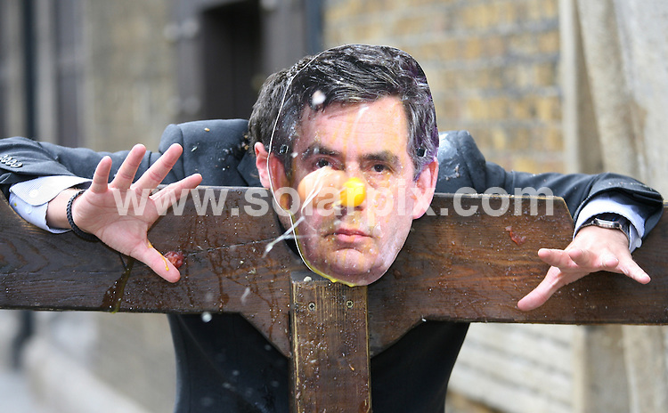 "**ALL ROUND PICTURES FROM SOLARPIX.COM**.**WORLDWIDE SYNDICATION RIGHTS**.a likeness of the UK's PM Gordon Brown is pelted with vegetables after a poll of visitors to the London Dungeons attraction found him the most deserving ""Modern Day Villain"". Southwark, London, UK. 6 August 2009..This pic: Gordon Brown..JOB REF: 9708 LNJ     DATE: 06_08_2009.**MUST CREDIT SOLARPIX.COM OR DOUBLE FEE WILL BE CHARGED**.**MUST NOTIFY SOLARPIX OF ONLINE USAGE**.**CALL US ON: +34 952 811 768 or LOW RATE FROM UK 0844 617 7637**"