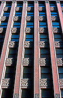 Louis Sullivan: Wainwright Bldg.  Photo '76.
