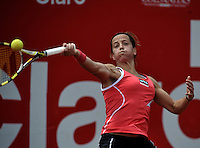 BOGOTA - COLOMBIA - FEBRERO 19: Lourdes Dominguez Lino de España, devuelve la bola a Catalina Castaño de Colombia, durante partido por la Copa de Tenis WTA Bogotá, febrero 19 de 2013. (Foto: VizzorImage / Luis Ramírez / Staff). Lourdes Dominguez Lino from España returns the ball to Catalina Castaño from Colombia during a match for the WTA Bogota Tennis Cup, on February 19, 2013, in Bogota, Colombia. (Photo: VizzorImage / Luis Ramirez / Staff)