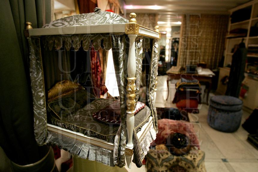 L'interno dello showroom di Gaggio, negozio di alta tappezzeria, decorazioni ed arredamento, a Venezia.<br /> Interior view of Gaggio high tapestry, decoration and interior dressing showroom in Venice.<br /> UPDATE IMAGES PRESS/Riccardo De Luca