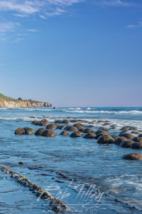 USA, CA, Mendocino County, Schooner Gulch State Beach, Bowling Ball Beach