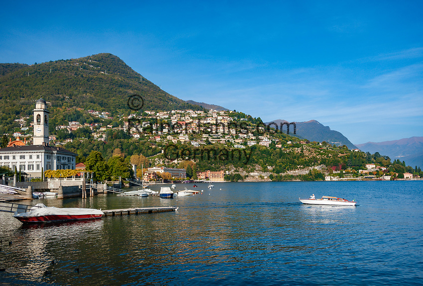Italy, Lombardia, Cernobbio: on the West Banks of Lake Como with parish church San Vincenzo, at background Villa d'Este and district Rovenna   Italien, Lombardei, Cernobbio: am Westufer des Comer Sees mit der Pfarrkirche San Vincenzo, im Hintergrund die Villa d'Este und  der Ortsteil Rovenna