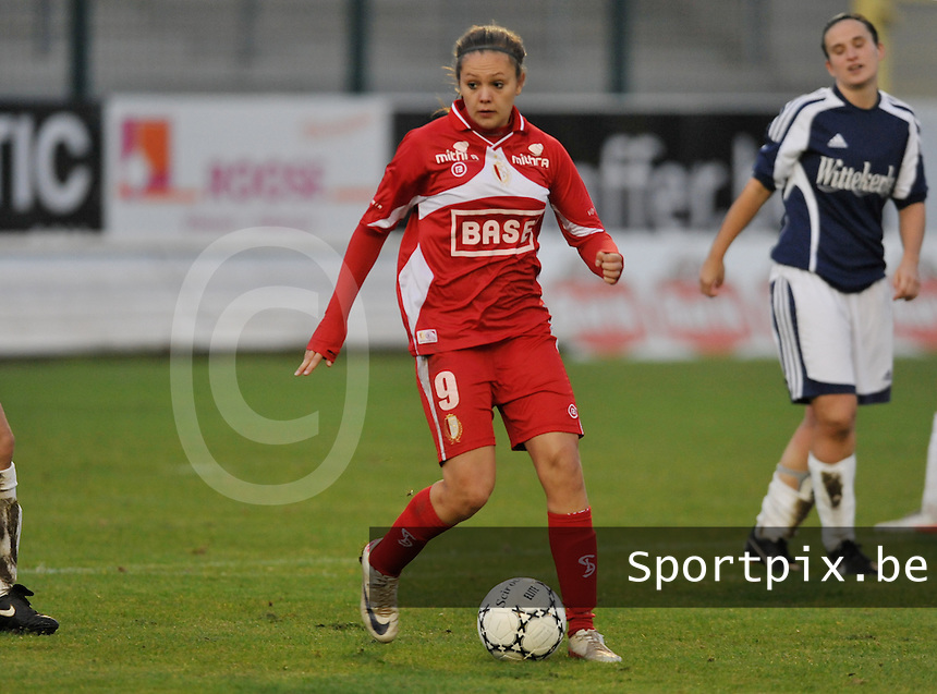 Rassing Harelbeke - Standard Femina : Lieke Martens.foto DAVID CATRY / Vrouwenteam.be