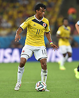 FUSSBALL WM 2014                ACHTELFINALE Kolumbien - Uruguay                  28.06.2014 Juan Guillermo Cuadrado (Kolumbien) am Ball