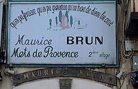 Europe/France/Provence-ALpes-Côte d'Azur/13/Bouches-du-Rhône/Marseille: Enseigne d'un restaurant quai du Port