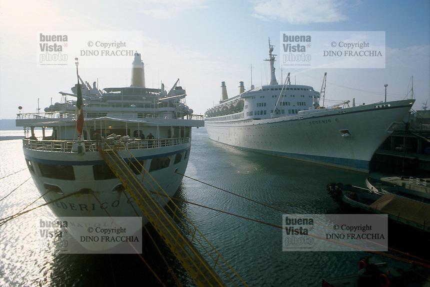 - Genoa, cruise ships in port....- Genova, navi da crociera in porto