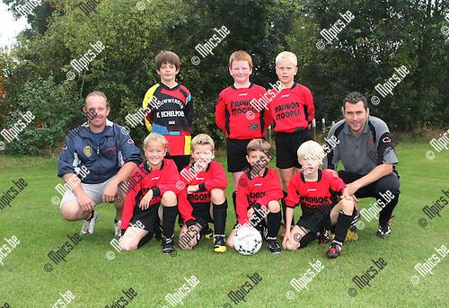 2009-09-19 / Jeugdvoetbal / U9 KFC Lille A / Elias Boons, Bob Wynants, Senne Stickers, Siebe Hendrickx, Tomasz De Koninck, Jutte Bastiaansen en Arne Sas..Foto: Maarten Straetemans (SMB)