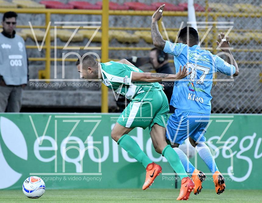 BOGOTÁ -COLOMBIA, 27-07-2018: Jeider Riquett (Izq) de La Equidad disputa el balón con Jhony Cano (Der) de Jaguares de Córdoba durante partido por la fecha 2 de la Liga Águila II 2018 jugado en el estadio Metropolitano de Techo de la ciudad de Bogotá. / Jeider Riquett (L) player of La Equidad fights for the ball with Jhony Cano (R) player of Jaguares de Cordoba during match for the date 2 of the Aguila League II 2018 played at Metropolitano de Techo stadium in Bogotá city. Photo: VizzorImage/ Gabriel Aponte / Staff