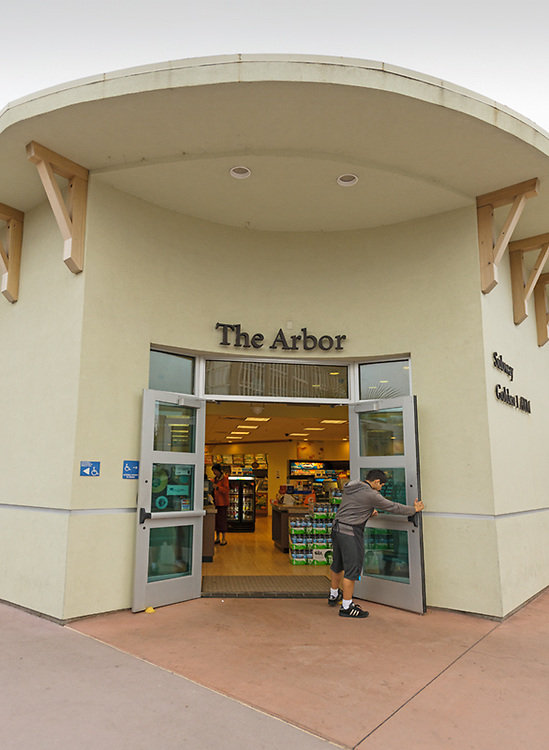 """Staff and Students fuel up ath the main campus store """"The Arbor"""""""
