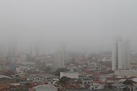 SAO PAULO, SP, 31-07-2014, NEBLINA. A quinta-feira (31) começou com muita neblina em São Paulo, na foto vista aerea de predios no bairro da Mooca, zona leste da capital paulista.     Luiz Guarnieri/ Brazil Photo Press.
