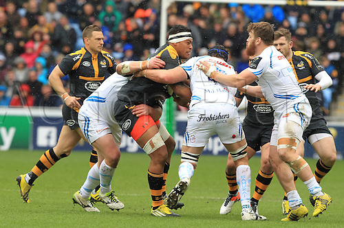 09.04.2016. Ricoh Arena, Coventry, England. European Champions Cup. Wasps versus Exeter Chiefs.  Wasps No8 Nathan Hughes working hard in the loose.