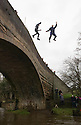 2014_01_01_MAPPLETON_BRIDGE_JUMP